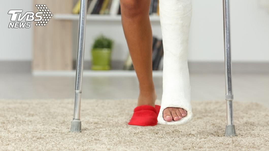 示意圖/TVBS 足踝外科名醫:依勞保規定 跛腳竟不如少根腳趾!