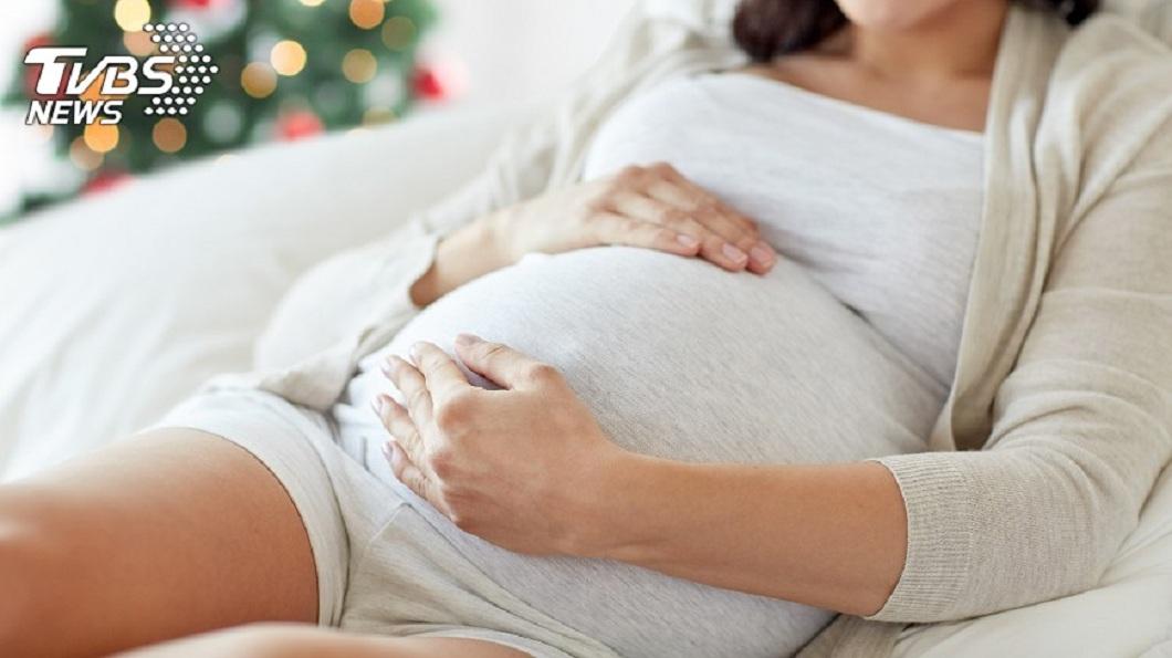一名懷孕的女網友分享自己遇到準婆婆的無理要求。(示意圖/TVBS)