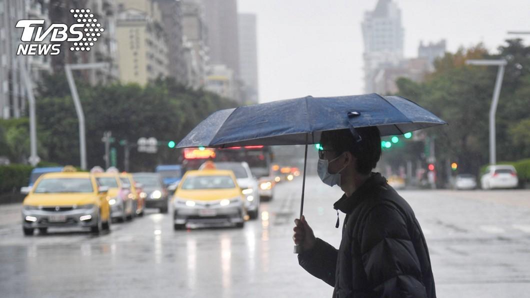 圖/中央社 雨要來了!清明「連濕2天」再回暖 一張圖秒懂天氣變化