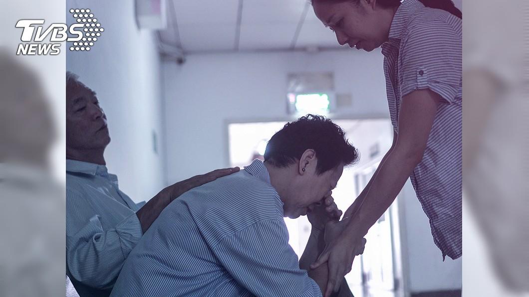 示意圖,圖/TVBS 預知夢「弟弟躺棺材」 她哭醒知病弟夢境...結局爆淚