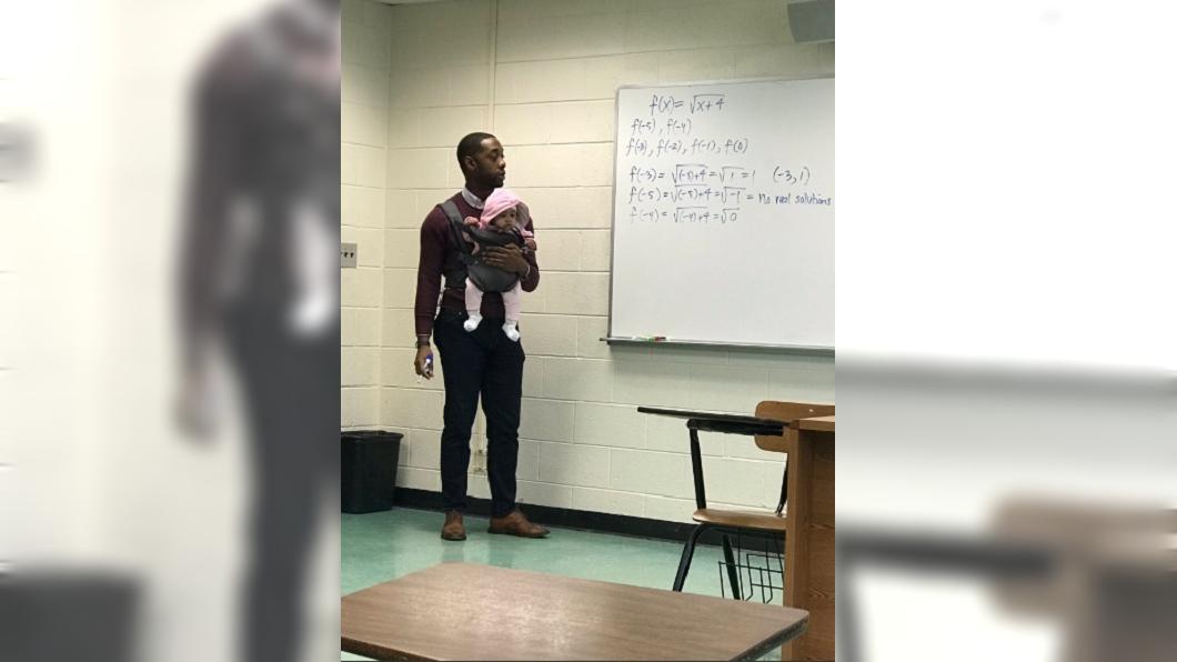圖/翻攝自TheOriginal推特 男大生帶女嬰上課 「爸」氣教授:小孩我抱你抄筆記