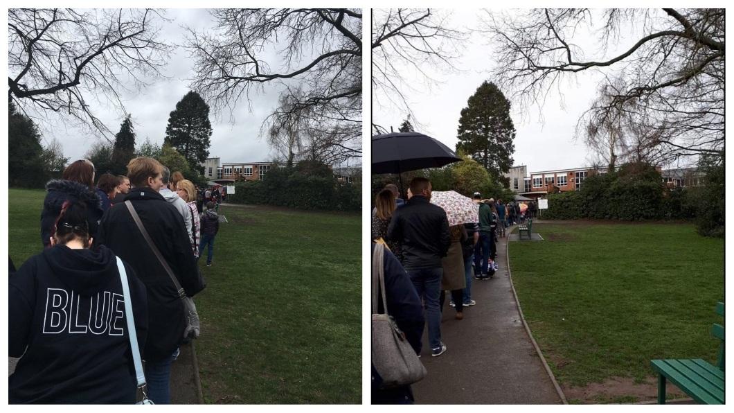 消息一出.吸引將近5千人不畏下雨,前往現場排隊等檢驗比對。(圖/翻攝自推特)