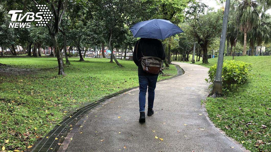 圖/中央社 春雨到!冷氣團挾雨襲台 低溫探11度
