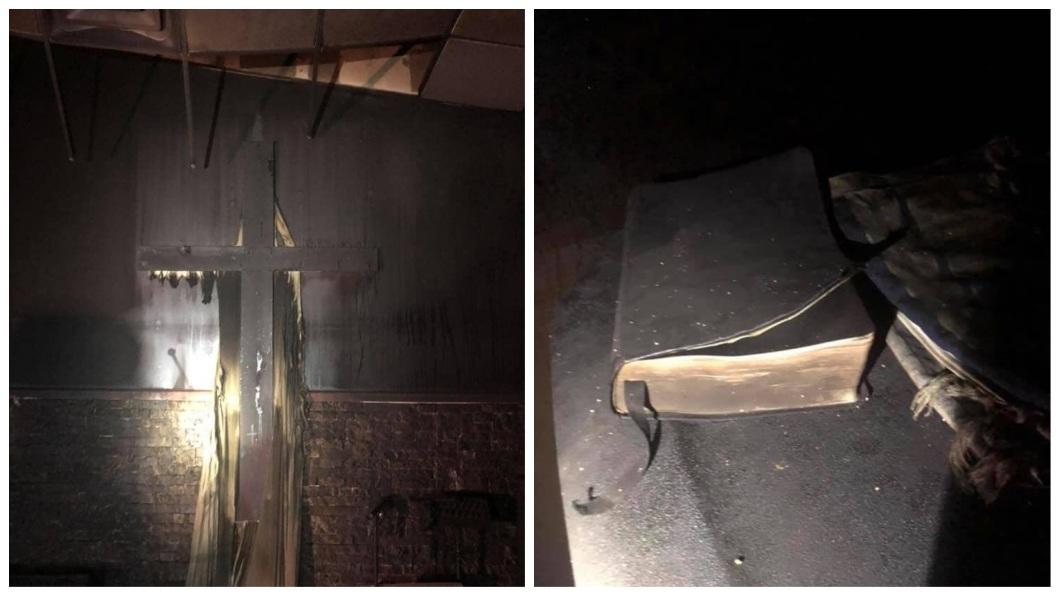 除了聖經之外,牆上的十字架也沒髓壞。(圖/翻攝自Coal City Fire Department臉書粉絲團)