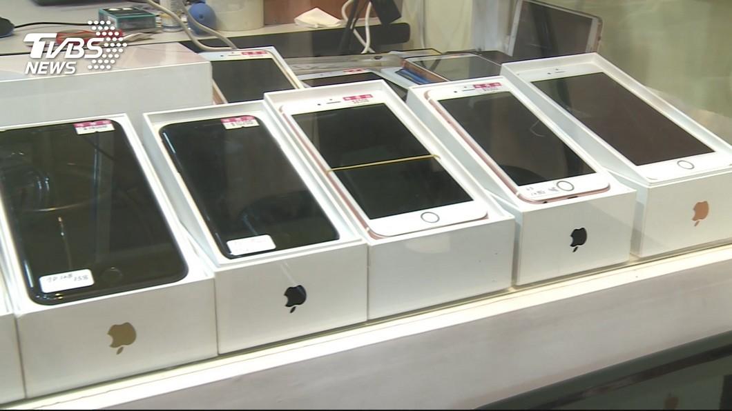 圖/TVBS   Read more at: https://news.tvbs.com.tw/life/1094877?from=Copy_content 蘋果拚服務 法人:iPhone仍是台灣經濟關鍵