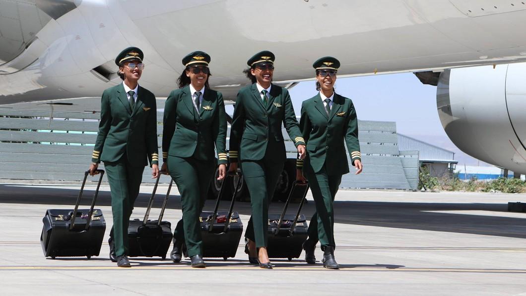衣索比亞航空及印度航空慶祝國際婦女節,推出全女性機組員航班。圖/衣索比亞航空臉書 發揚雌威!慶祝婦女節 「這2航空」搶推全女性航班