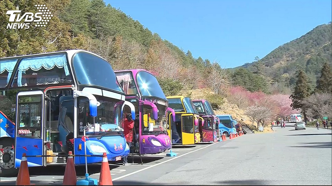示意圖/TVBS 陸客不來 林佳龍:10月起遊覽車免徵1年汽燃費