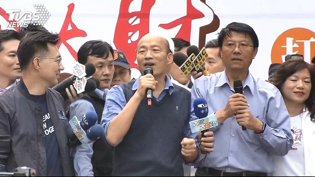 圖/TVBS 韓國瑜遭丟雞蛋 吳敦義:譴責一切暴力羞辱行為