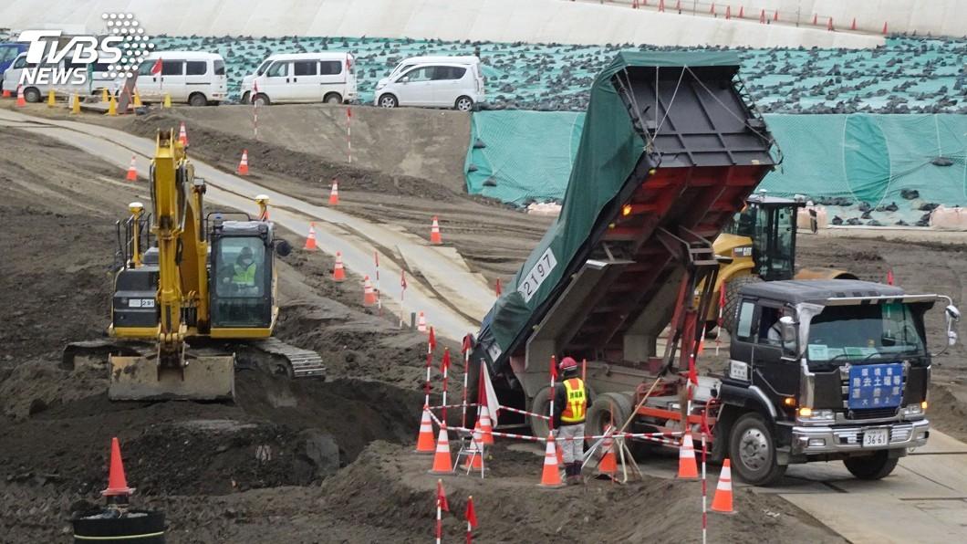 圖/中央社 福島除輻污土一包包 僅兩成進中期儲存場