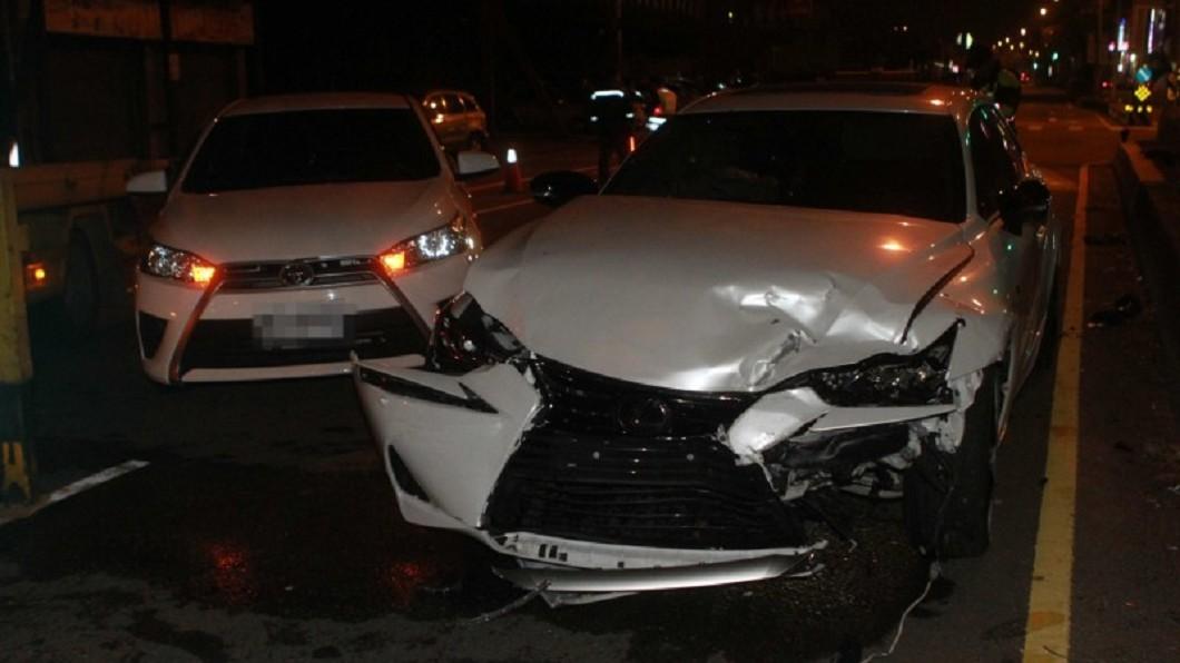 圖/翻攝畫面 媽媽送的「百萬名車」20歲生日禮 富少酒駕1年就撞爛