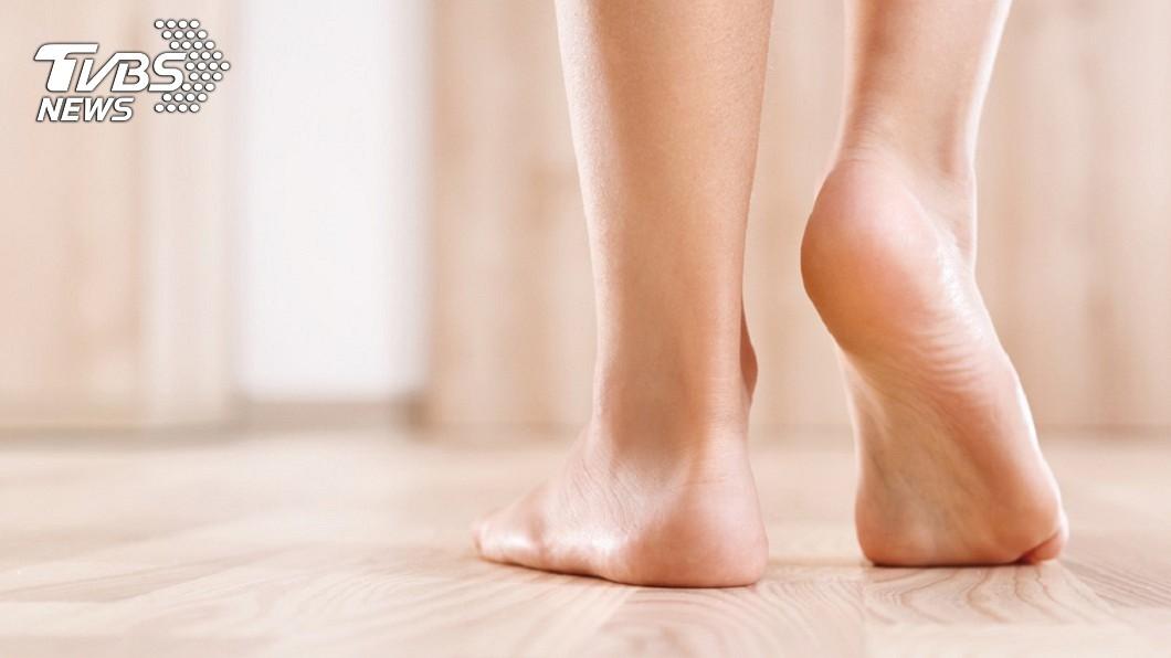 示意圖/TVBS 走路是「人類最好的醫藥」!每天5分鐘保身體強健緩老化