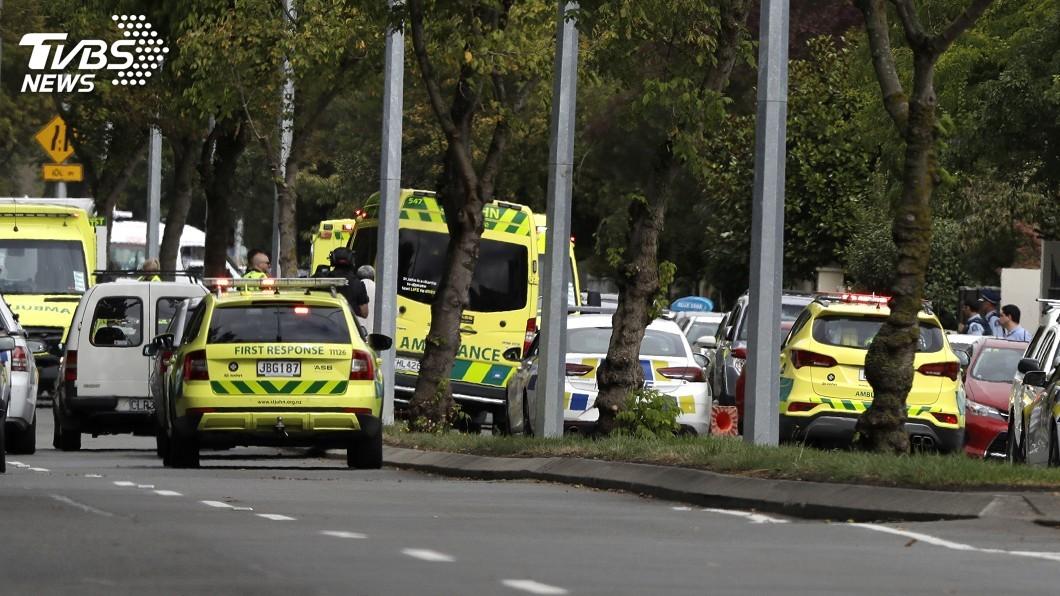 圖/達志影像美聯社 紐西蘭清真寺槍擊至少6死 槍手逃逸中