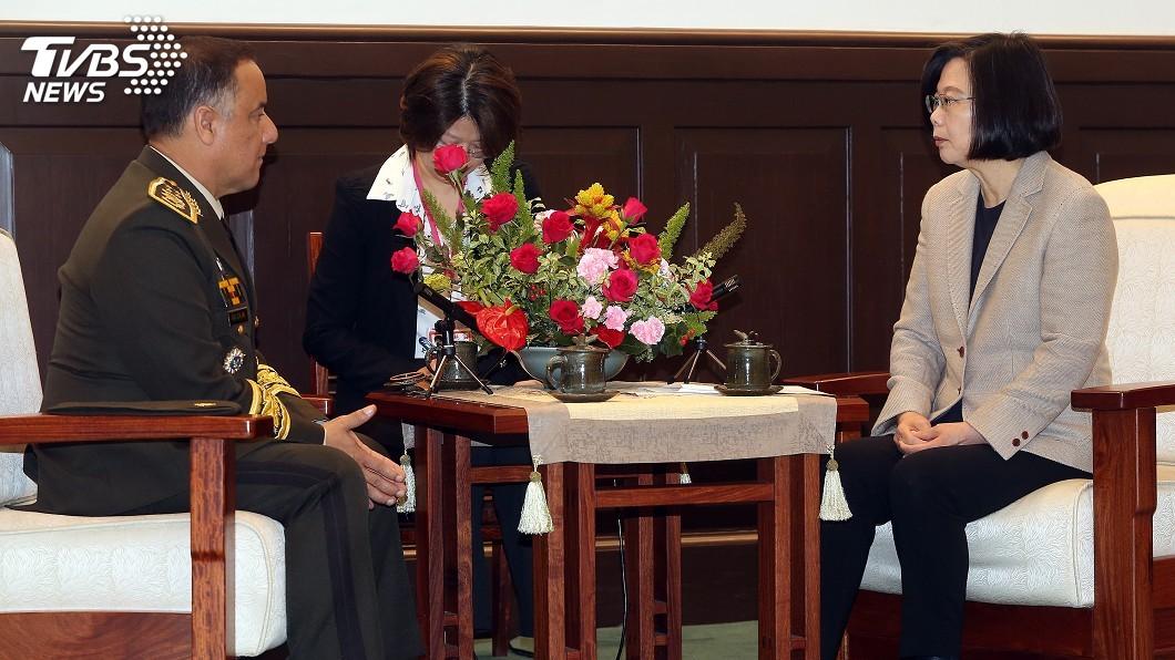 圖/中央社 接見瓜國國防部長 蔡總統盼建立更緊密夥伴關係
