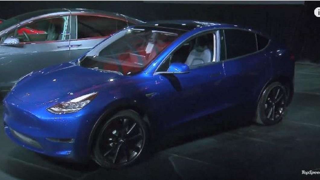 圖/翻攝自The Verge YouTube ModelY可搭載七人 特斯拉電動休旅車亮相
