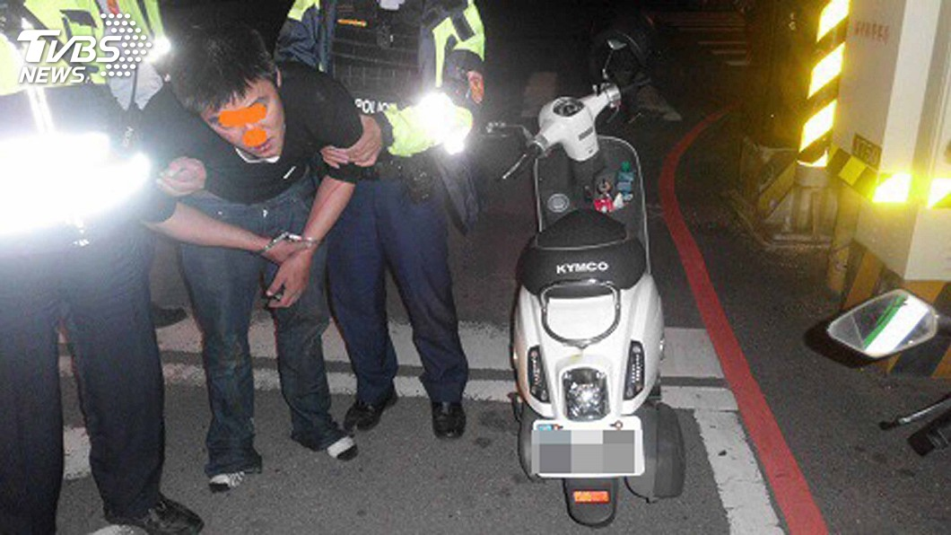 圖/中央社 慣竊遭超商店家鎖定 酒後偷車伺機犯案遭逮