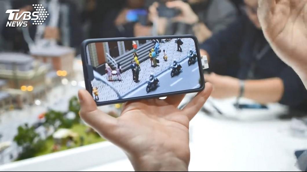 圖/TVBS 華為新機水滴螢幕 OPPO螢幕佔比93%
