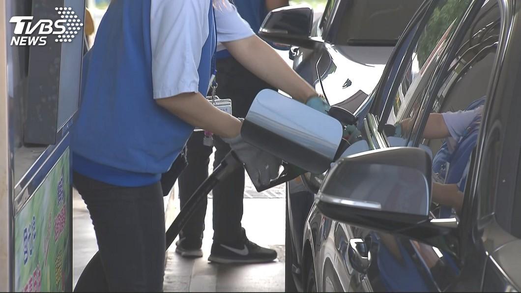 許多人都有到加油站加油的經驗。(示意圖/TVBS) 加油站贈品這樣送…民眾「這樣組合」 網笑:果然專業