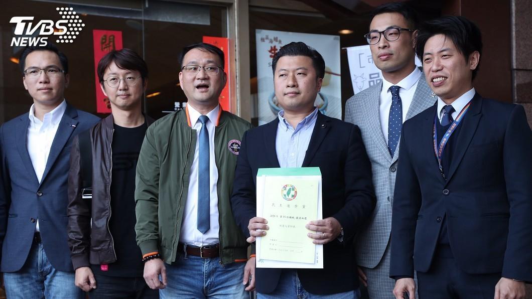 圖/中央社 年輕世代幫領表 蔡英文擬20日登記參加初選