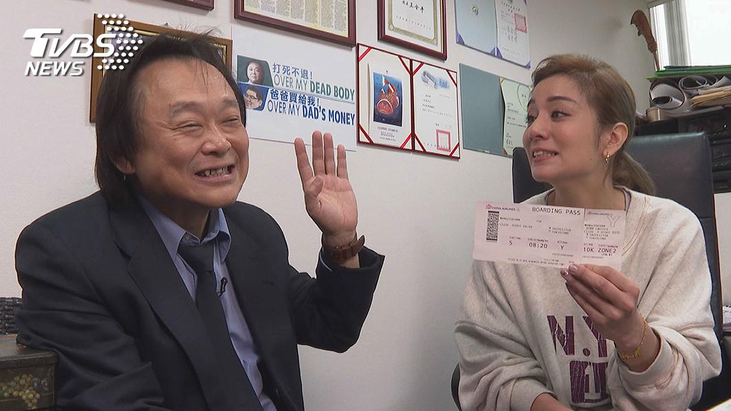 TVBS全新原創網路節目《不推怎麼行》第二集大來賓是台北市議員王世堅 ,右為主持人莎莎。圖/TVBS