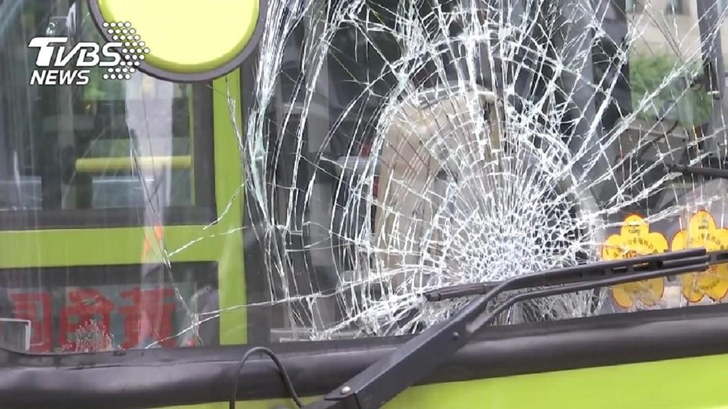 圖/TVBS資料畫面 降低轉彎車撞行人事故 台北市加強取締
