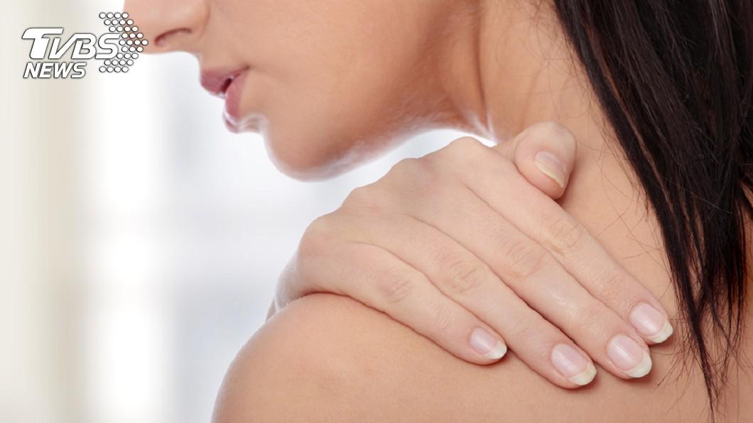 示意圖/TVBS 肩痛是心臟在求救! 醫曝:「這些人」是心肌梗塞危險群