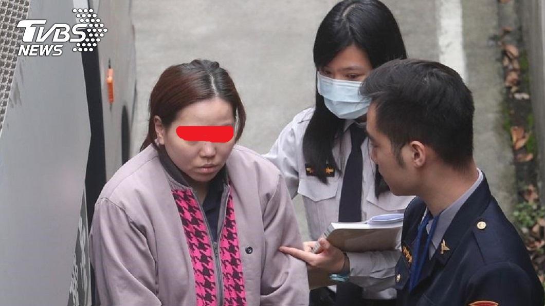 戚女因去年虐待97歲的公公,事後依家暴傷害致死罪遭起訴。(圖/中央社) 公公不午睡慘遭惡媳虐死 母痛哭:是我叫她不要吃藥