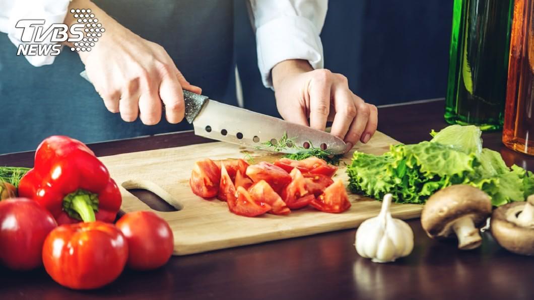 綠葉蔬菜如羽衣甘藍、菠菜非常健康,但要小心草酸鹽含量。圖/TVBS