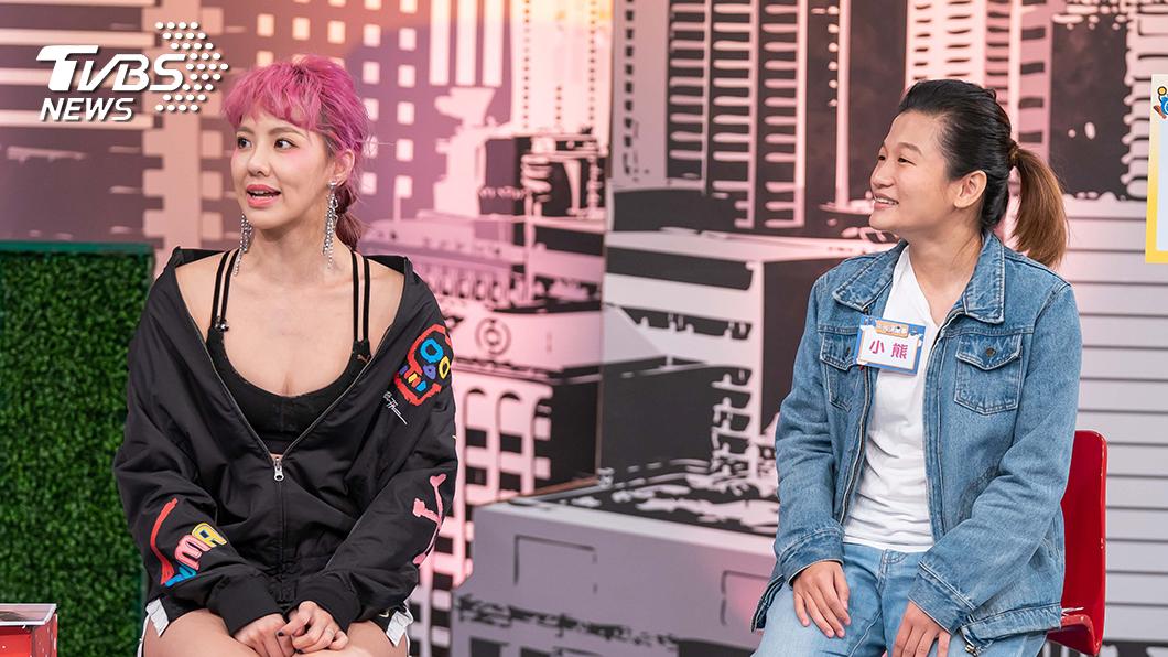 TVBS歡樂台《上班這黨事》左為藝人劉雨柔,右為執行經紀人小熊。圖/TVBS