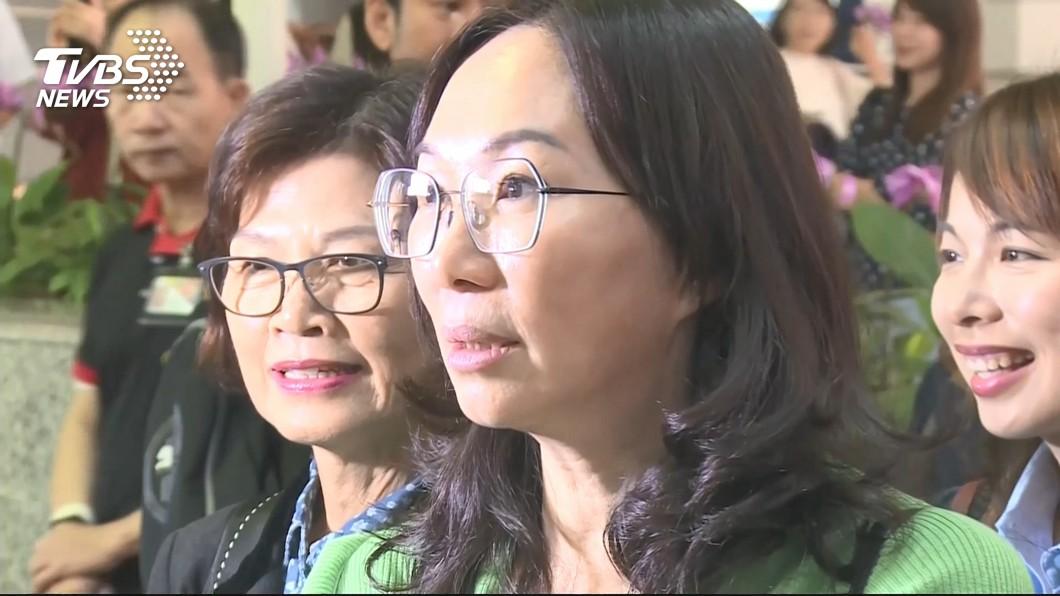 圖/TVBS 老公當總統就選市長? 李佳芬苦笑:1個害不夠?