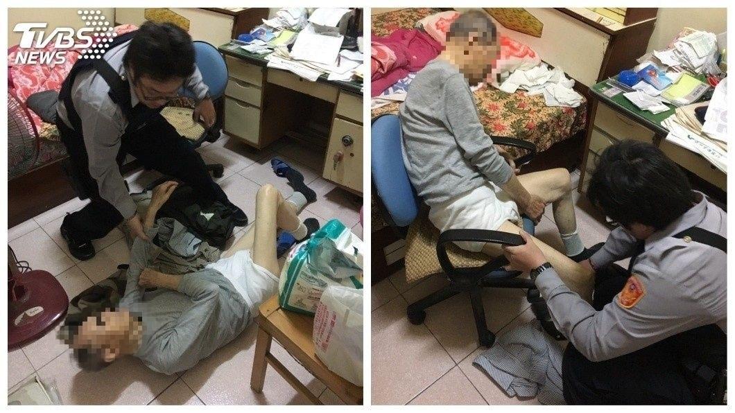高雄市楠梓警方日前到一處老夫婦的家中,幫忙協助扶起跌倒的90歲老翁。(圖/TVBS) 悲!90歲夫跌倒在地 80歲妻扶不起他