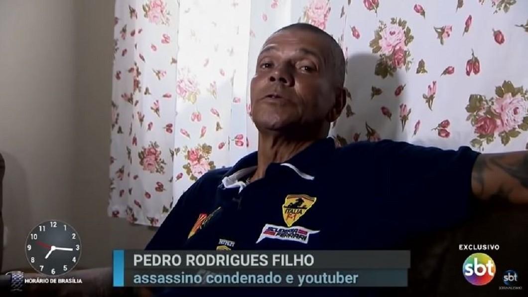巴西男子費里歐利用私刑正義殺了超過100人。圖/翻攝自YouTube「SBT Jornalismo」 弒父狠啖心臟!他14歲開始殺人 「私刑正義」殺百罪犯