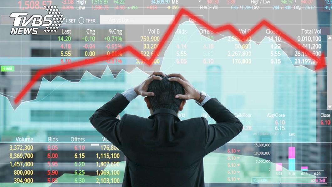 華映、綠能下市,小股東受傷慘重。示意圖/TVBS 華映、綠能將下市股價跌 股票恐成壁紙