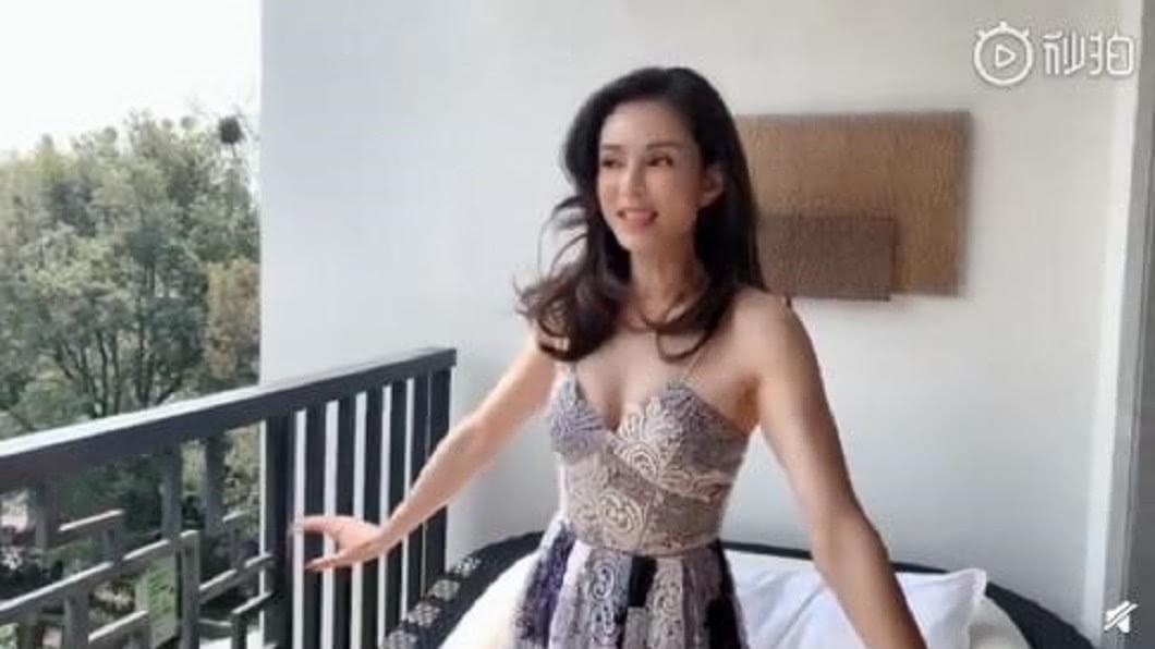 圖/翻攝自李若彤 微博 「小龍女」李若彤曬美照 好身材全靠健身