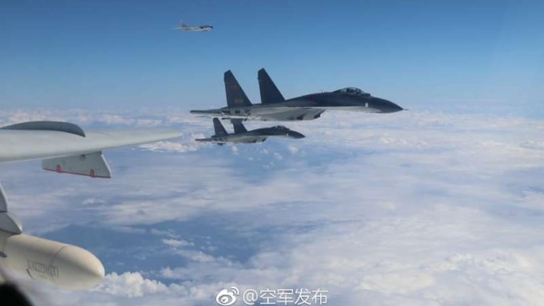 殲11戰機。圖/翻攝自微博