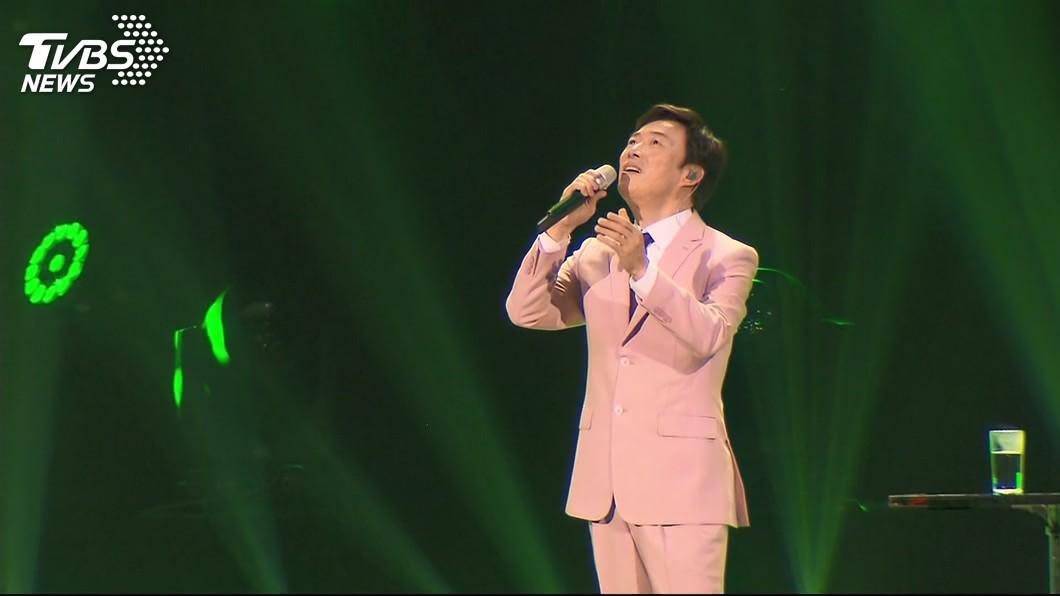 63歲的歌王費玉清屹立歌壇46年,今年即將封麥。圖/TVBS資料照 誆稱費玉清演唱會徵工讀 騙走上百本護照後落跑