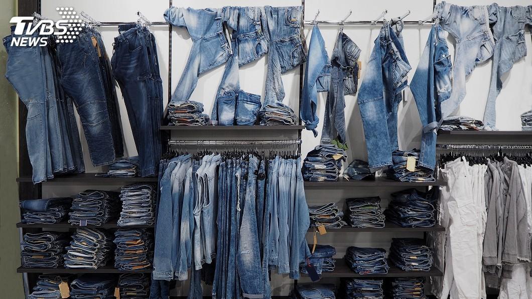 牛仔褲是不少人必備的服裝之一。(示意圖/TVBS) 妻想買4鈕扣牛仔褲…夫秒阻止 吐真相讓人超害羞