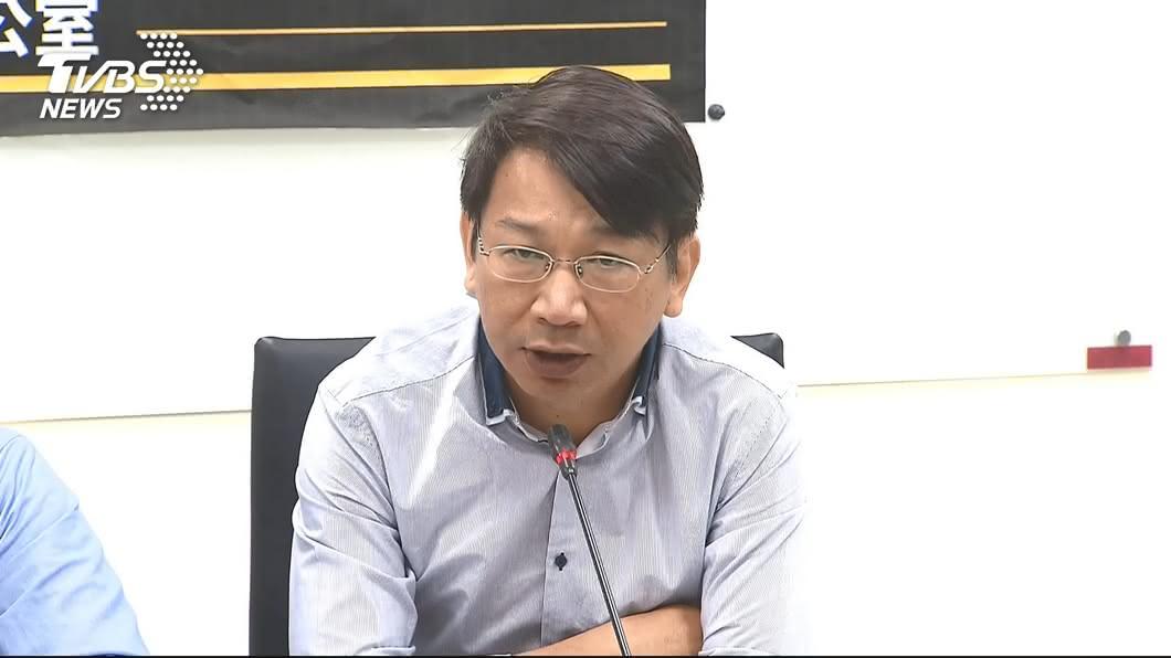 時代力量黨主席徐永明。(圖/TVBS) 2議員帶職參選市長 徐永明:把高雄市民當白癡嗎?