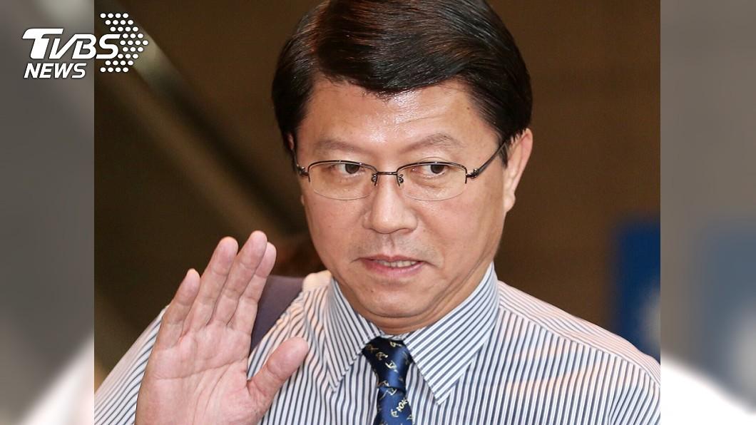謝龍介認為,中共戰機闖越台海中線是「自由航行」。(圖/TVBS) 「中共自由航行」挨轟 謝龍介:戰機打下來才能說服我
