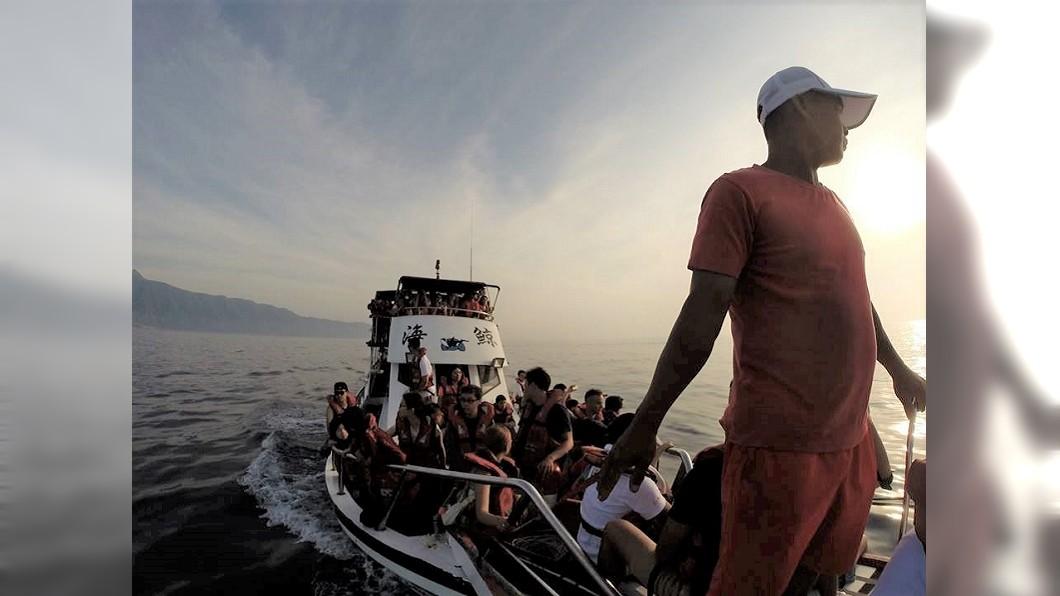 石梯港海釣。圖/Tripbaa趣吧!亞洲自由行專家 跟著船長釣魚去! 出海釣魚體驗台灣海釣文化