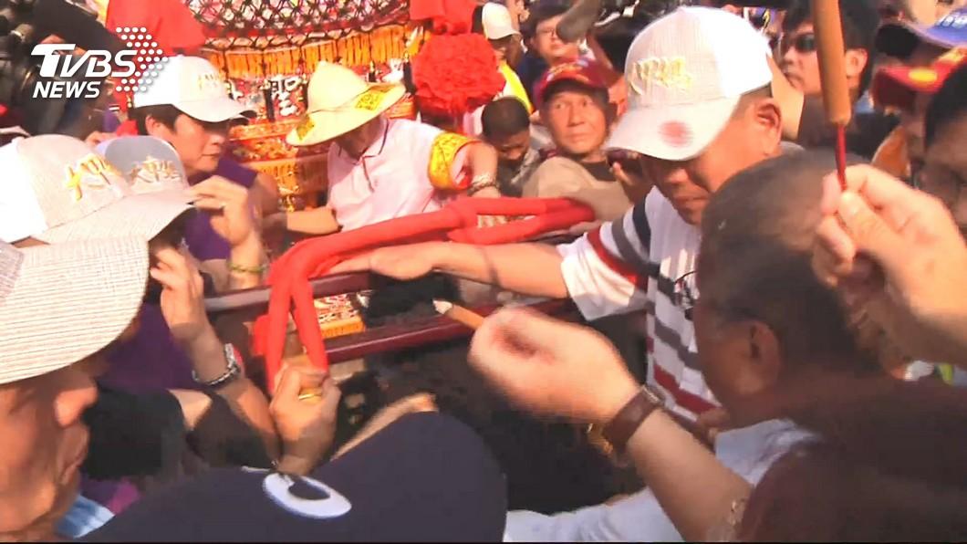 圖/TVBS 大甲媽遶境傳暴力衝突 警政署:暴力鬥毆定究辦