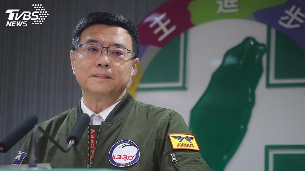 圖/中央社 飛行夾克秒殺 卓榮泰:打贏選戰再做勝利版