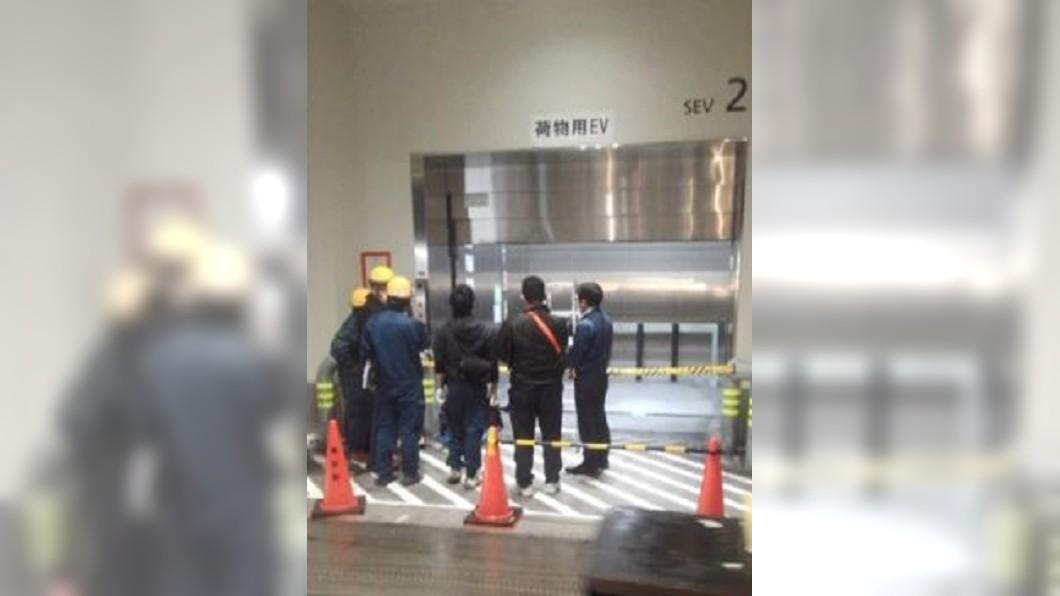 圖/翻攝自NHL官網 東京豐洲市場死亡意外 電梯門夾頭慘死