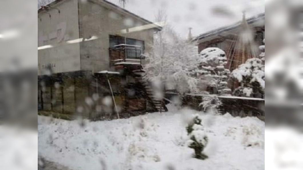 圖/翻攝自 c 开心果-妮子  微博 清晨低溫降到7度 日本東京一夜入冬
