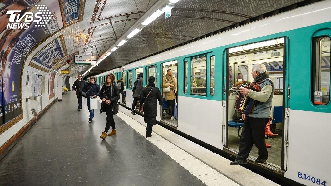 圖/達志影像美聯社 巴黎地鐵部分將徹夜行駛 每月一次試行半年