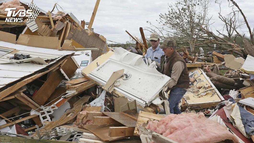 圖/達志影像美聯社 龍捲風侵襲美國南部地區 2天內有17個龍捲風