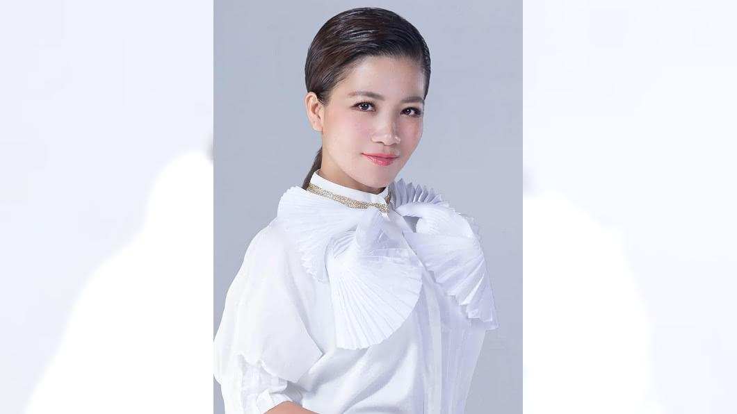 圖/翻攝自黃妃 Huang Fei 臉書 「非常女」嶄露頭角 黃妃求突破奪歌后