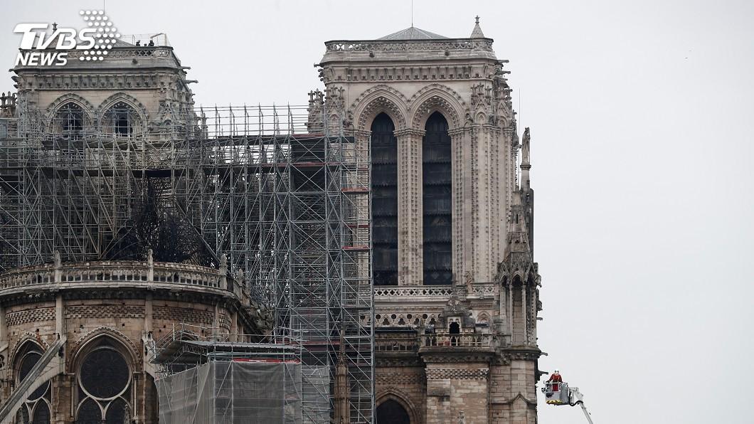 圖/達志影像路透社 伴隨文學與藝術 聖母院惡火燒痛巴黎人心