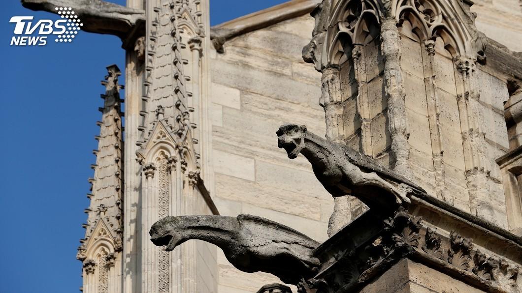 圖/達志影像路透社 玫瑰窗滴水獸和尖塔 盤點巴黎聖母院的瑰寶