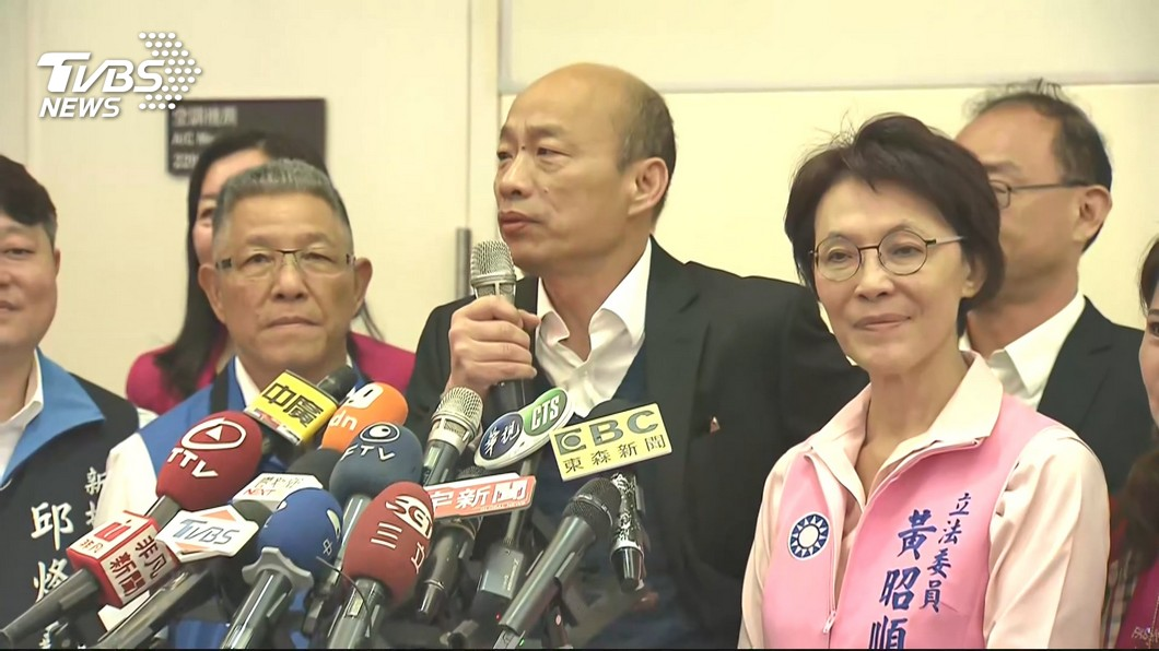 高雄市長韓國瑜(圖中)。圖/TVBS 台灣軍隊像「太監穿西裝」? 韓國瑜:沒軍法沒戰鬥力