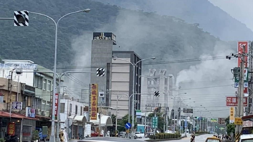 最大震度7級的銅門出現山崩,目前無傷亡消息傳出。圖/翻攝臉書